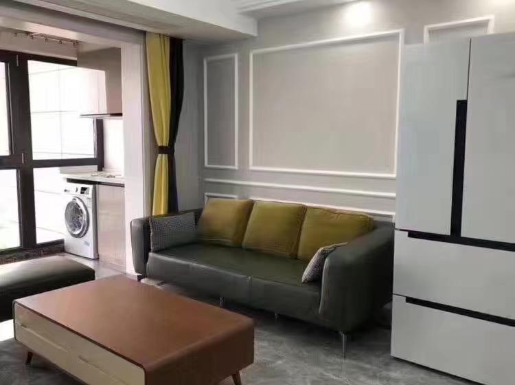 刚刚搬入新房入住 客厅石膏线真漂亮 邻居都羡慕 忍不住晒晒